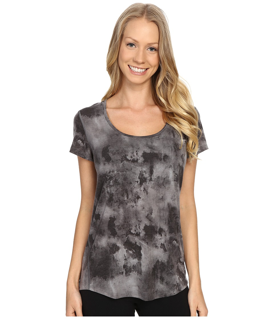 Lucy - S/S Workout Tee (Sleet Grey Wash Effect Print) Women's Workout