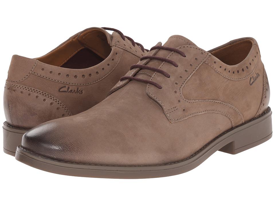 Clarks - Garren Plain (Taupe Leather) Men's Shoes