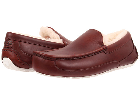 UGG - Ascot Leather (Cordovan Leather) Men's Slippers