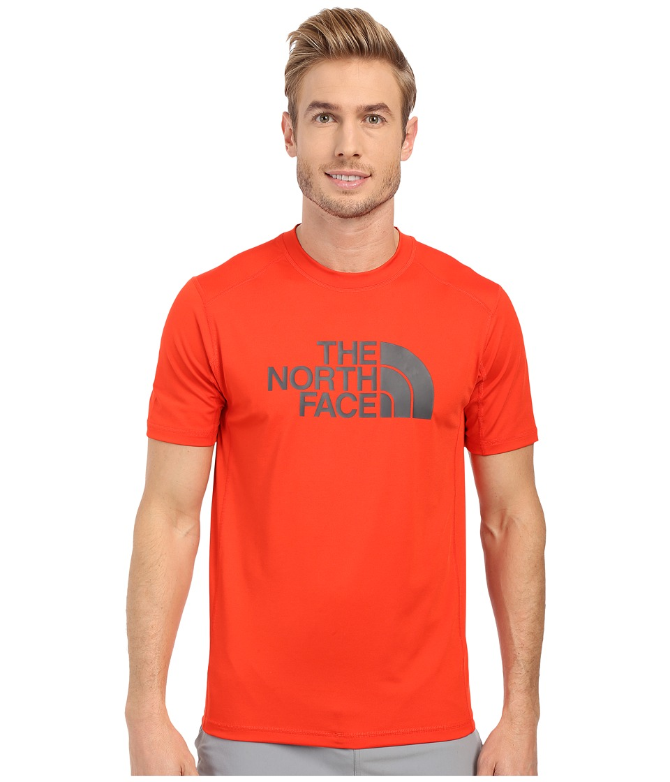 The North Face Short Sleeve Sink or Swim Rashguard (Fiery Red/Asphalt Grey) Men