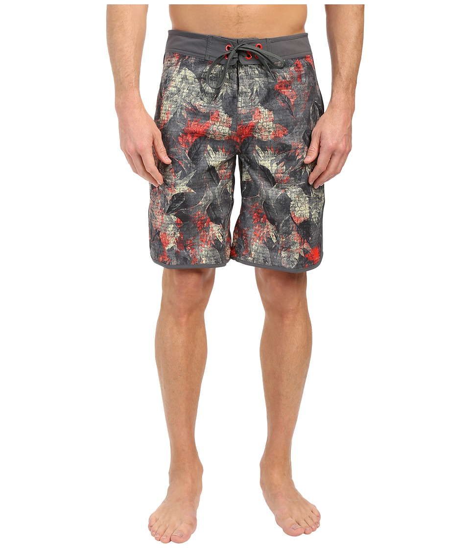 The North Face Whitecap Boardshorts (Spruce Green Pineapple Print) Men
