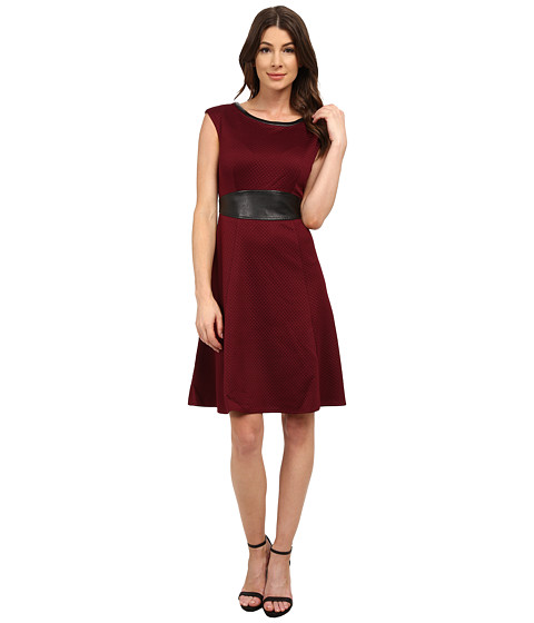 London Times - Cap Sleeve Quilted Fit and Flair with Inset Waist (Wine) Women