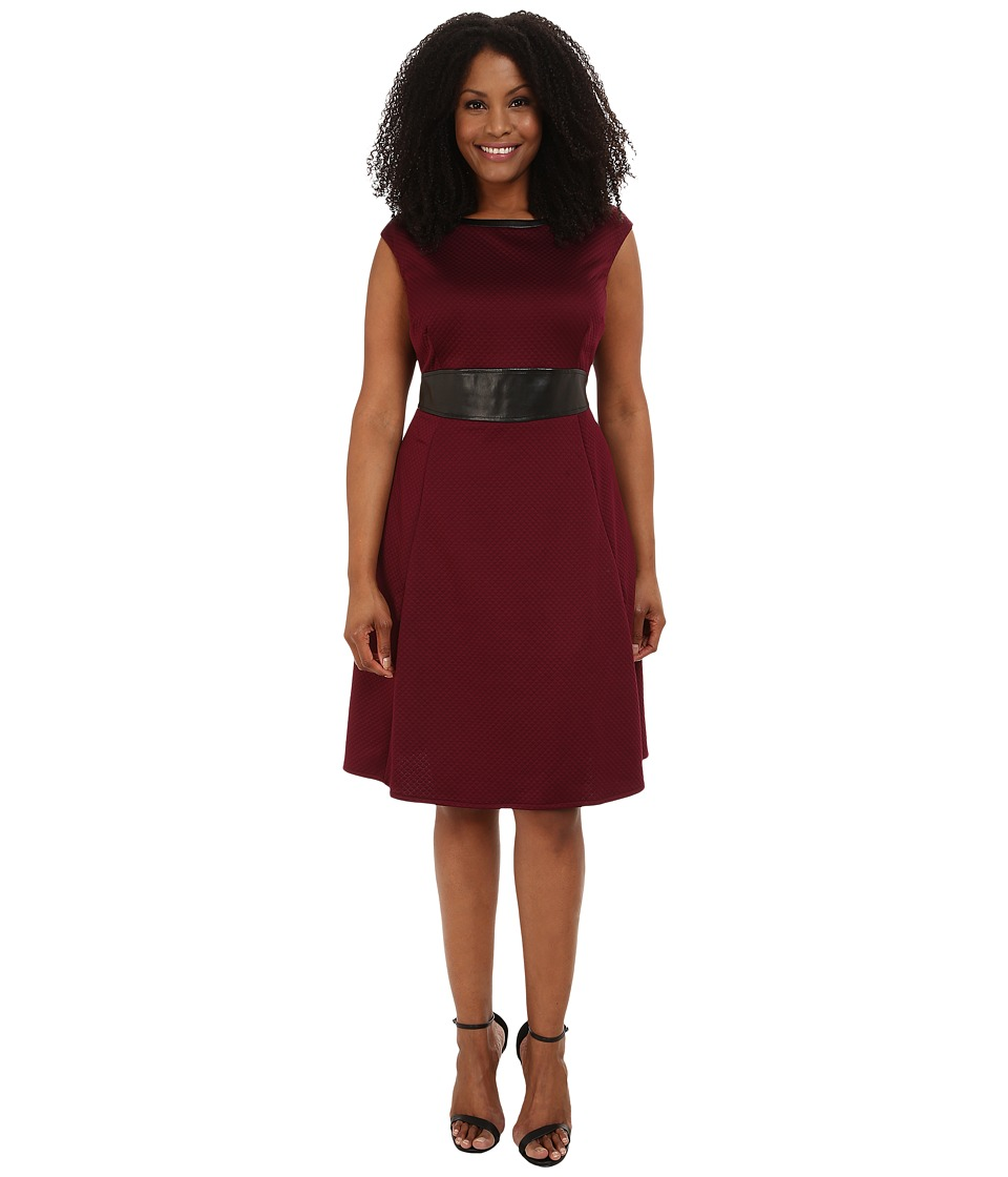 London Times - Plus Size Cap Sleeve Quilted Fit and Flair with Inset Waist (Wine) Women's Dress