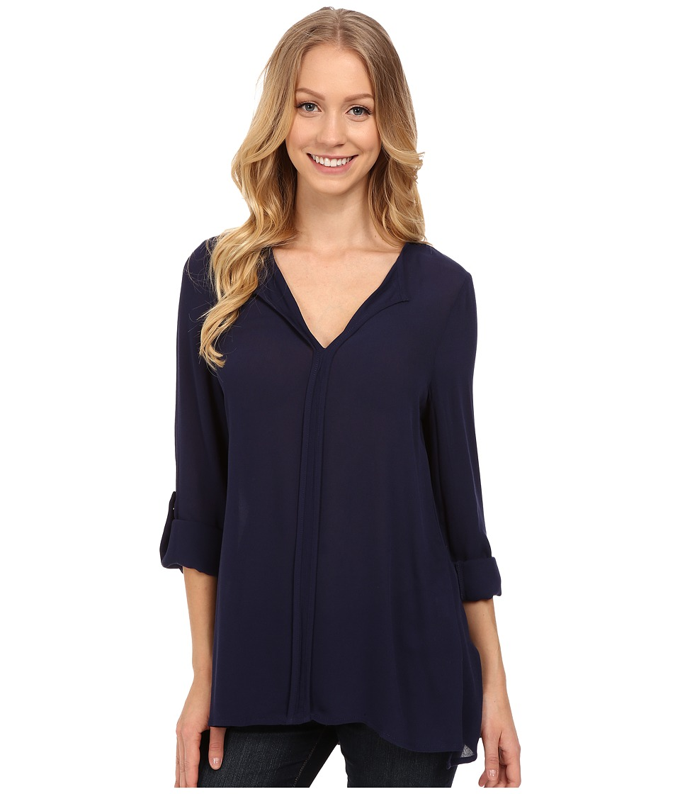 B Collection by Bobeau - Pleat Back Woven Blouse (Navy) Women's Blouse