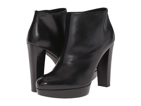 Stuart Weitzman - Gran (Black Calf) Women's Dress Zip Boots