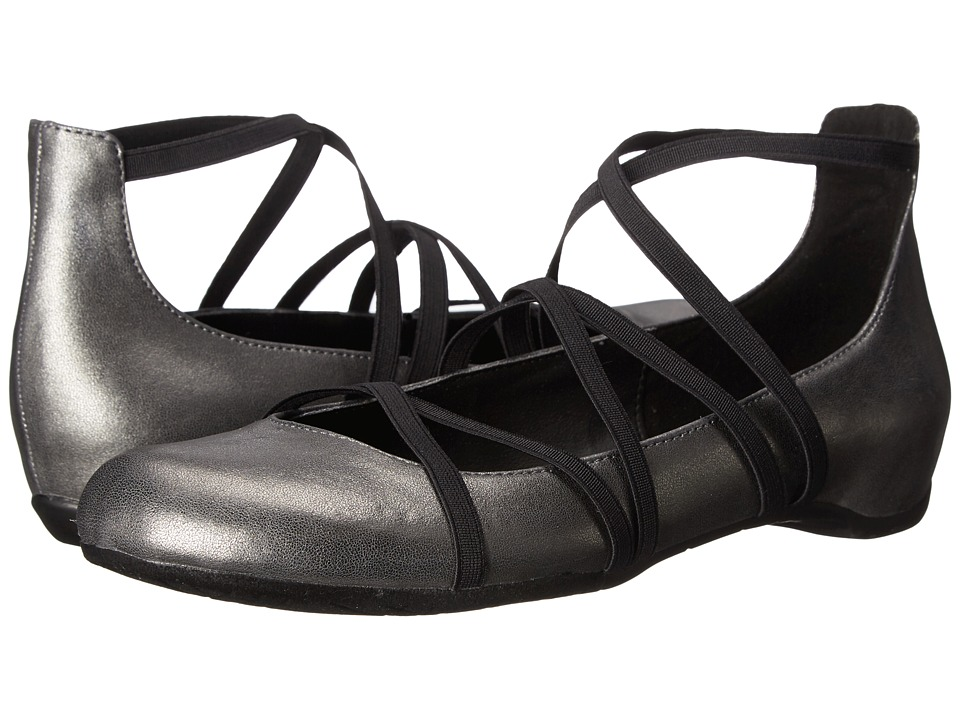 Kenneth Cole Reaction - Pro-Tein (Gunmetal) Women's Flat Shoes
