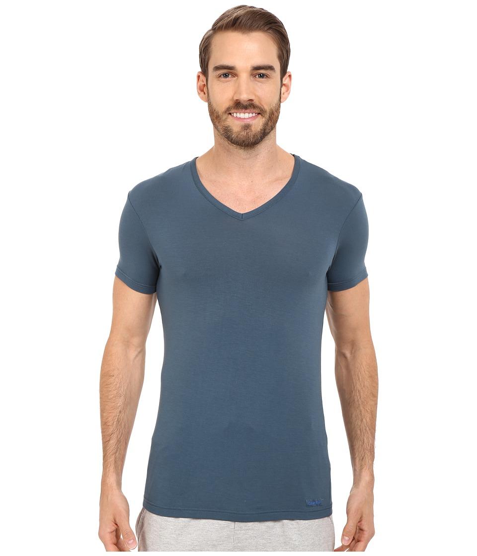 Calvin Klein Underwear - Body Micro Modal S/S V-Neck U5563 (Edison Blue) Men's Short Sleeve Pullover