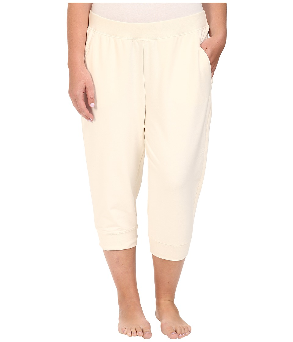 Yummie by Heather Thomson - Plus Size Baby French Terry Capris (Cream) Women's Capri