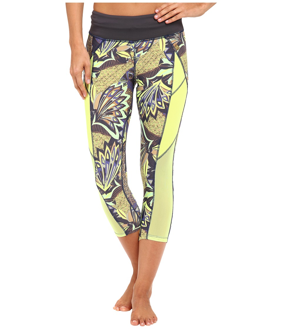 Maaji - Hike Pine Active Capris (Multicolor) Women's Capri