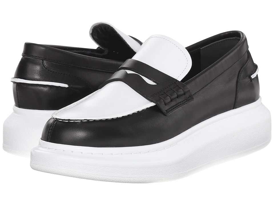 Alexander McQueen - Scarpa Sport Pelle S.Gomma (Black/White) Women's Slip on Shoes
