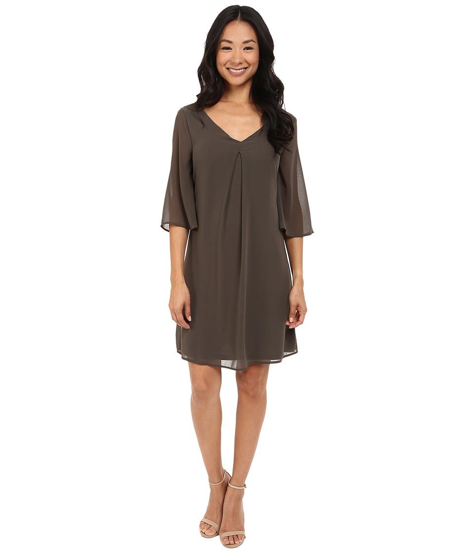B Collection by Bobeau Lola Shift Dress (Olive) Women
