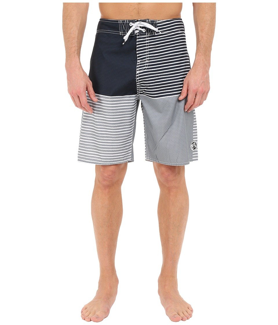 Body Glove - Back Yard Boardshorts (Black) Men's Swimwear