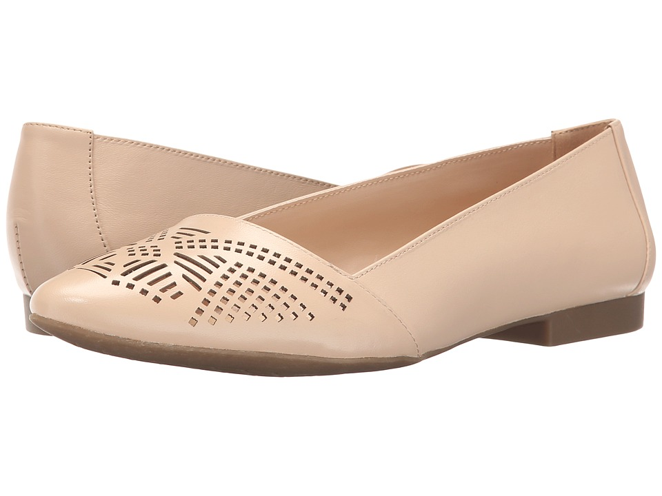 Bella-Vita - Owen (Nude) Women's Flat Shoes