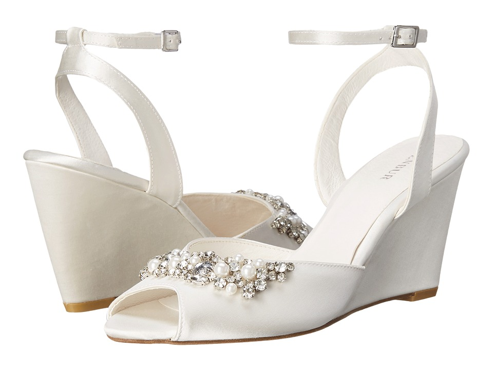 Menbur - Esther (Ivory) Women's Shoes