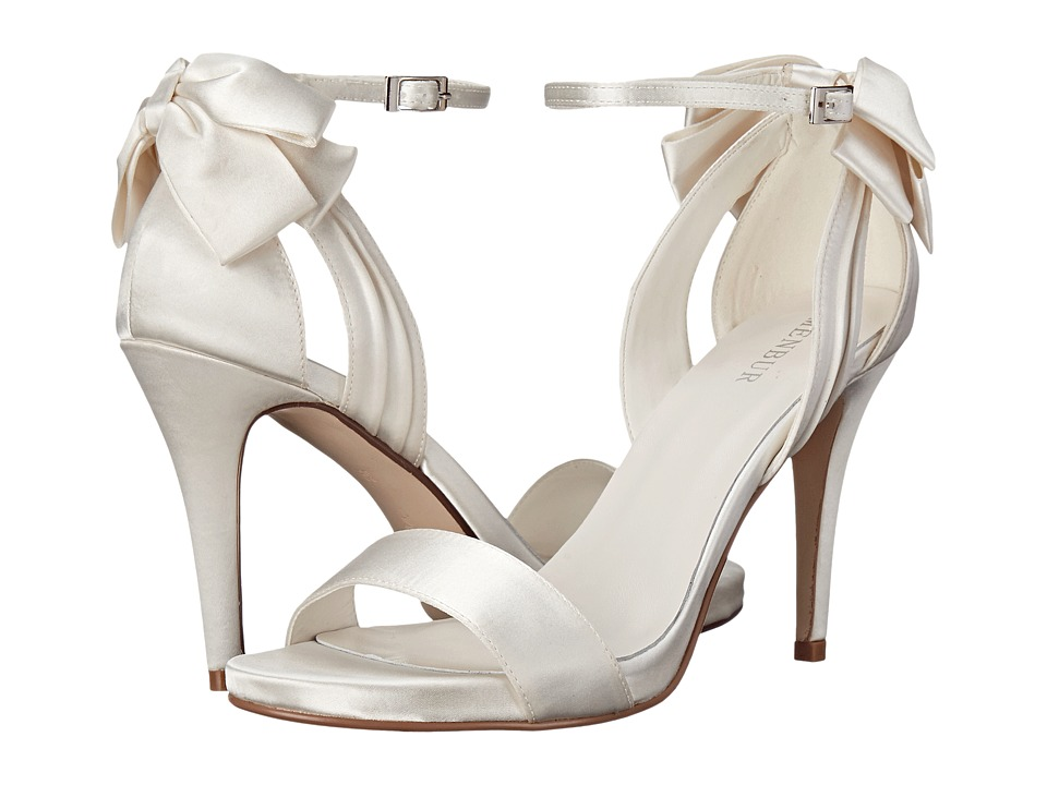 Menbur - Ana Maria (Ivory) Women's Shoes