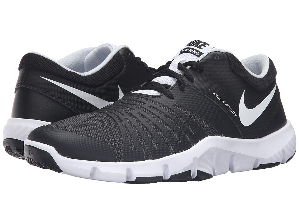 Nike - Flex Show TR 5 (Black/White) Men's Cleated Shoes