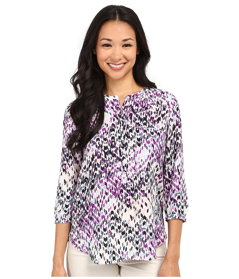 NYDJ Petite - Petite 3/4 Sleeve Pleat Back Solid (Dream On Chevron Violetta) Women's Blouse