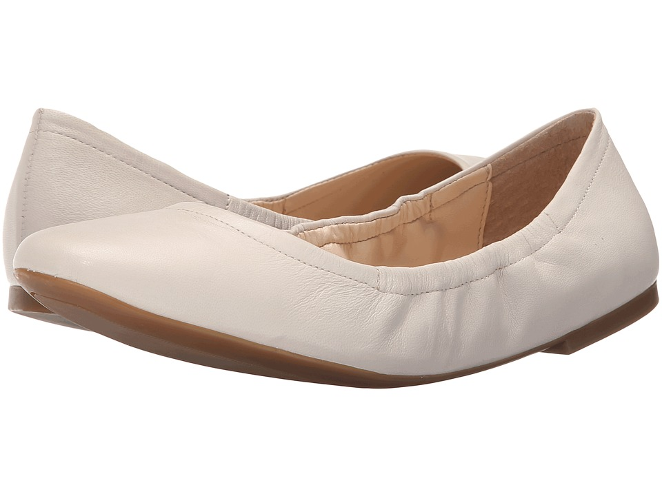 Nine West - Girlsnite (Off-White Leather) Women's Flat Shoes