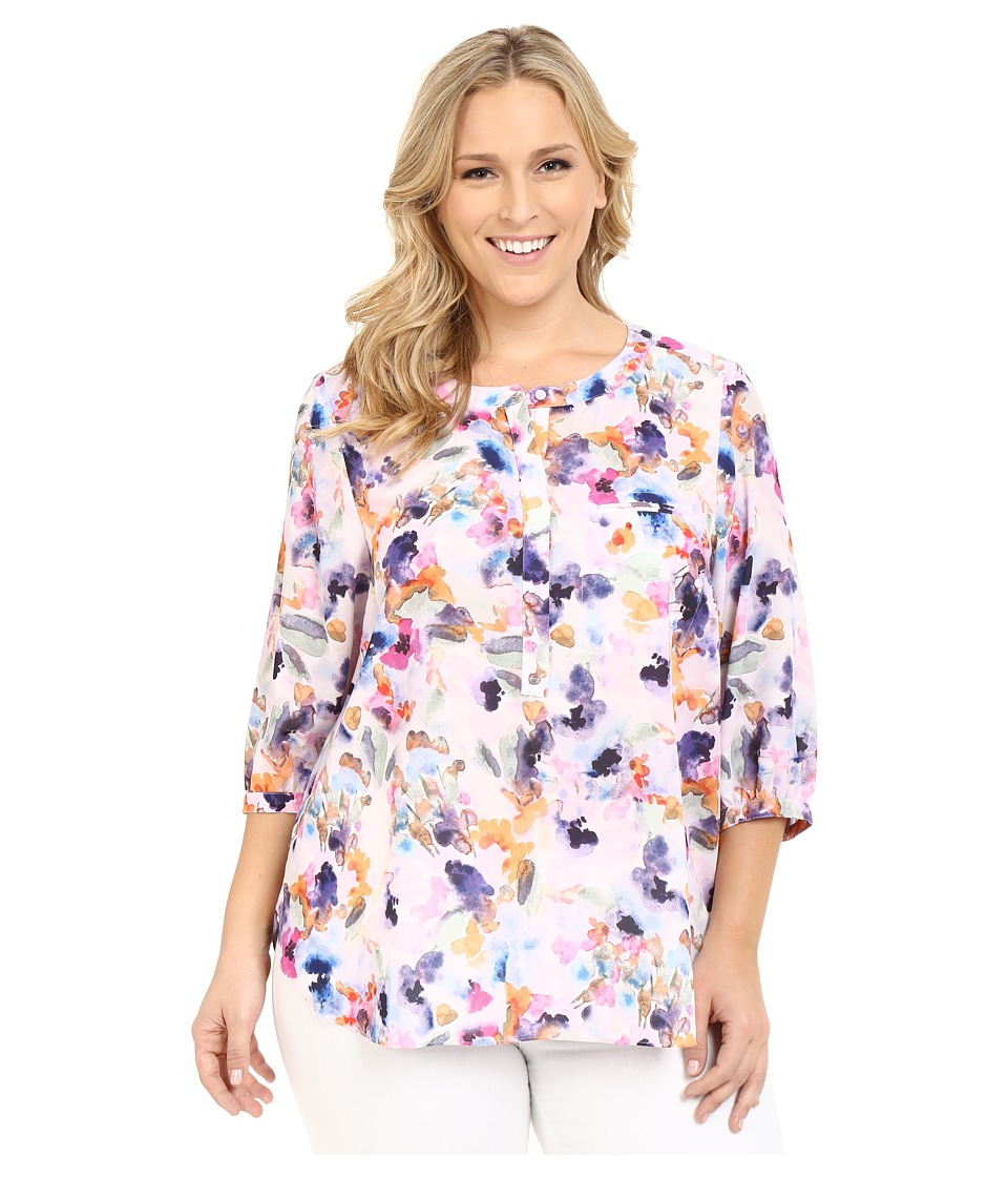 NYDJ Plus Size - Plus Size Solid 3/4 Sleeve Pleat Back (Spring Tide Floral) Women's Long Sleeve Button Up