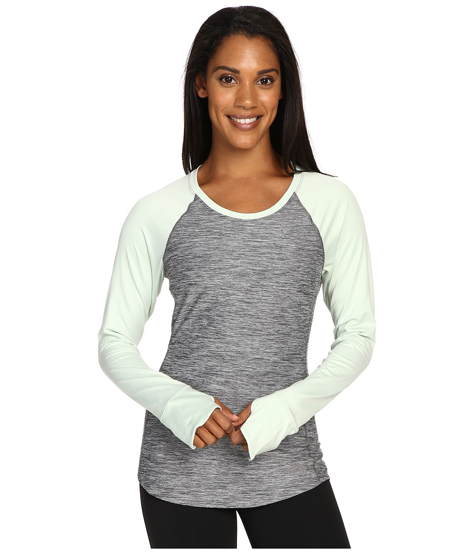 The North Face - Motivation Long Sleeve Top (TNF Medium Grey Heather/Subtle Green) Women's Long Sleeve Pullover