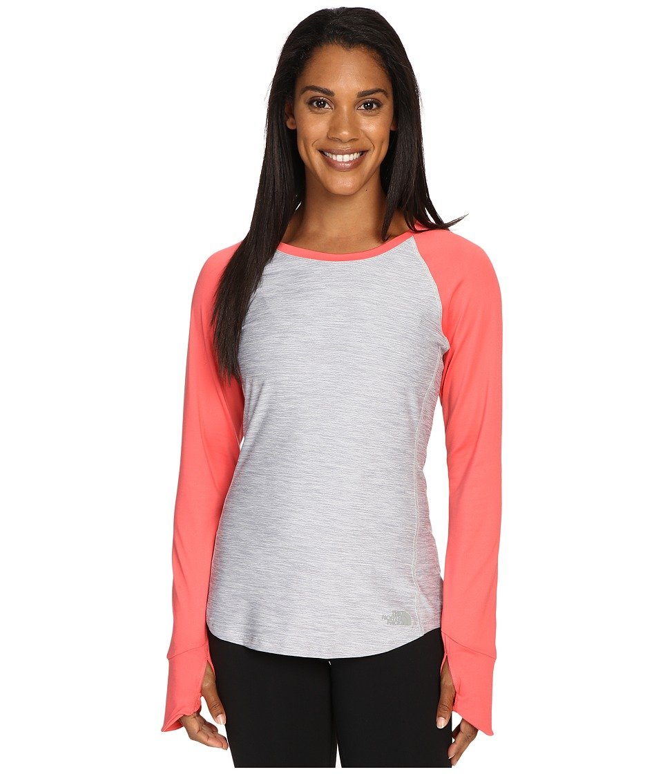 The North Face - Motivation Long Sleeve Top (TNF Light Grey Heather/Calypso Coral) Women's Long Sleeve Pullover