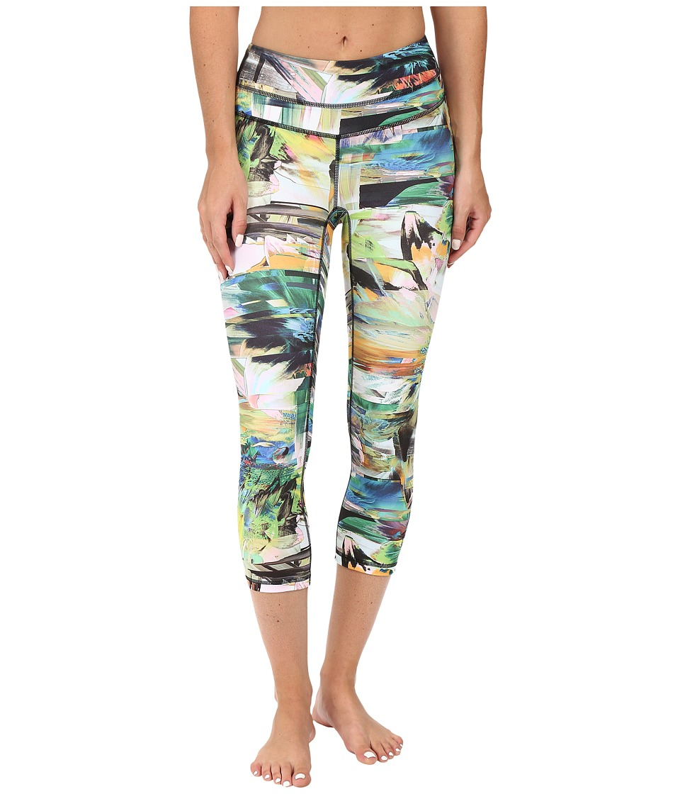 Lucy - Studio Hatha Capri Legging (Blurred Floral Print) Women's Capri