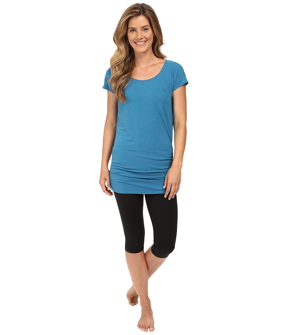 Lucy - Yoga Girl Tunic Top (Cyprus) Women's Workout