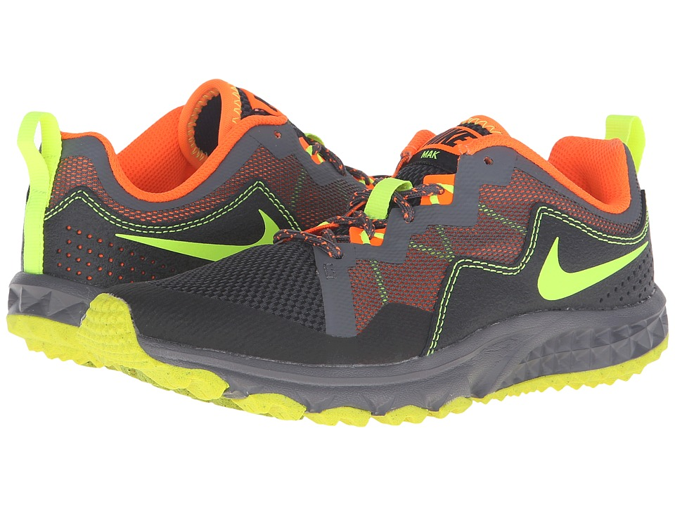 Nike Kids - Mak (Little Kid/Big Kid) (Black/Dark Grey/Total Orange/Volt) Boys Shoes