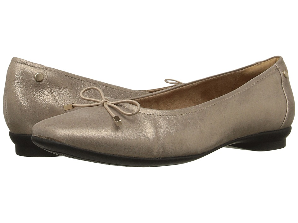 Clarks - Candra Light (Champagne Metallic Leather) Women's Shoes