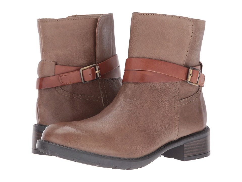 Clarks - Swansea Swing (Pebble Nubuck) Women's Boots