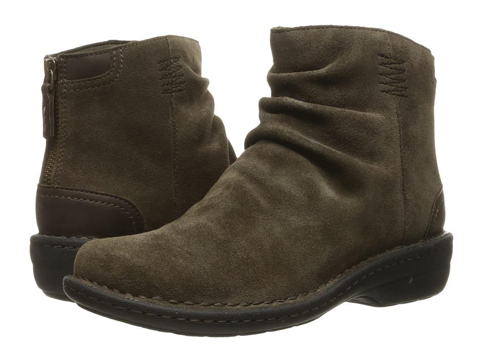 Clarks - Avington Swan (Khaki Combo Suede) Women's Boots