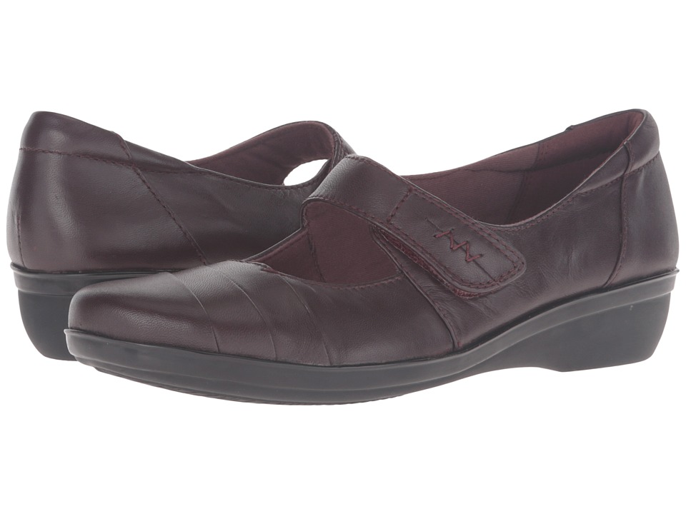 Clarks - Everlay Kennon (Aubergine Leather) Women's Shoes