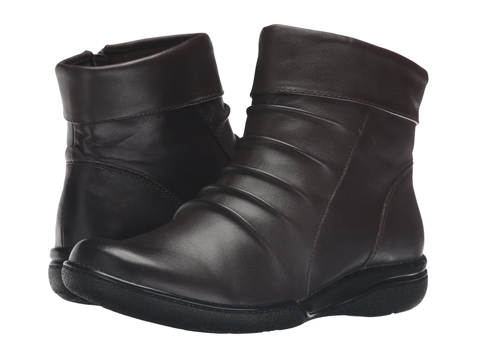 Clarks - Kearns Swim (Dark Brown Leather) Women's Boots