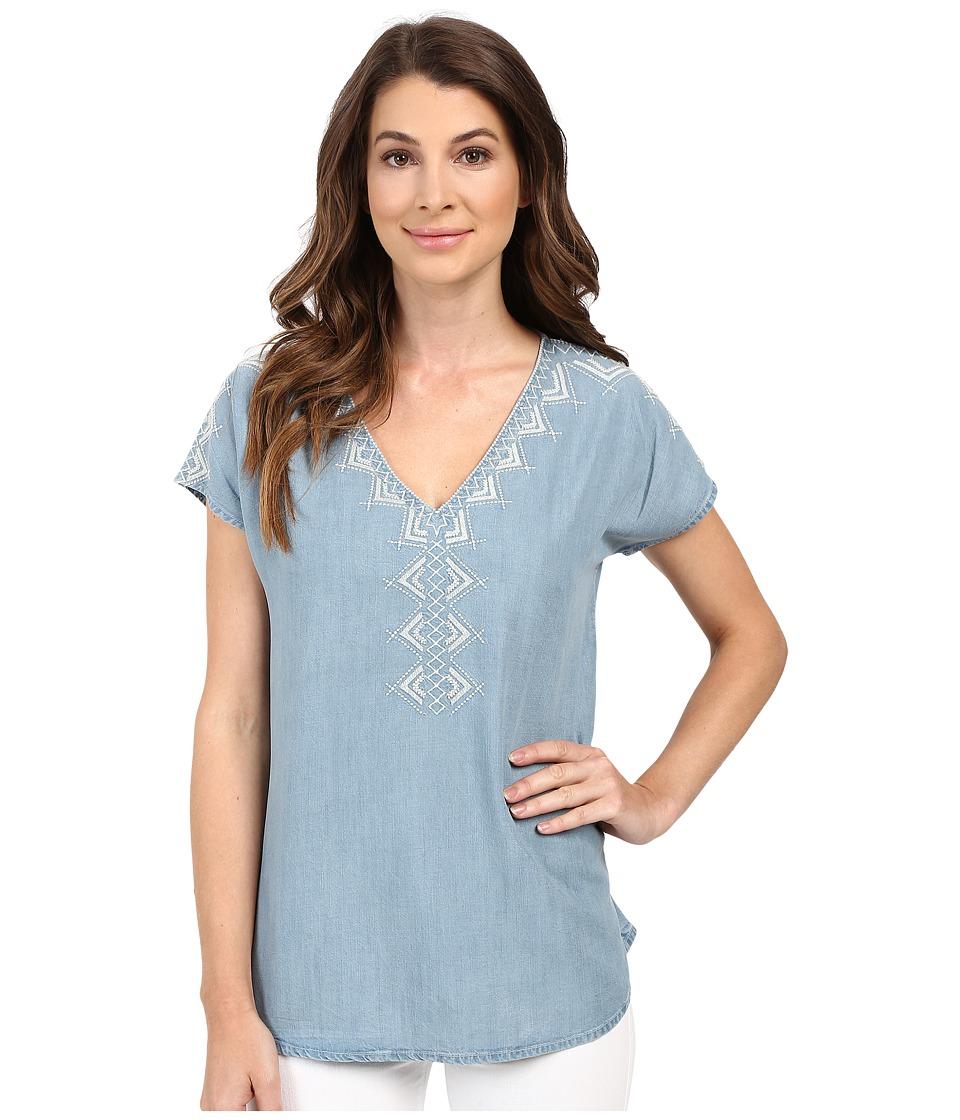 Mavi Jeans - Embroidered Denim V-Neck Top (Light Indigo) Women's Clothing