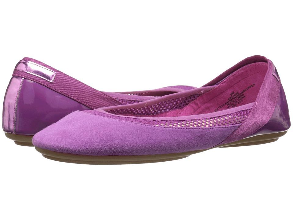 Easy Spirit - Yughe (Dark Pink Multi) Women's Shoes