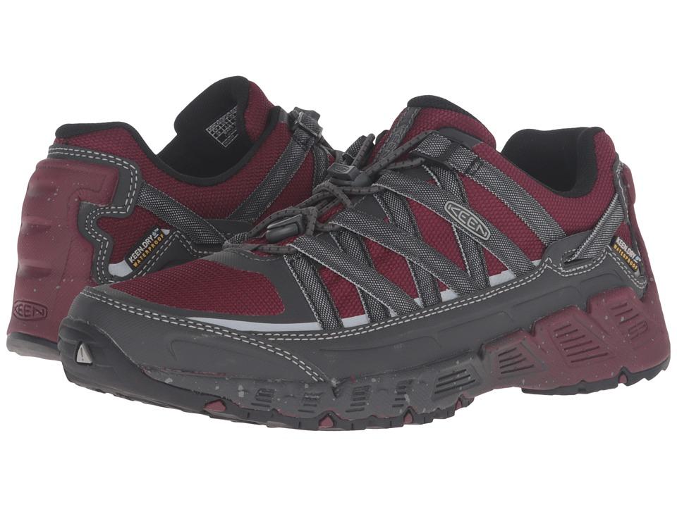 Keen - Versatrail Waterproof (Zinfandel/Magnet) Women's Waterproof Boots