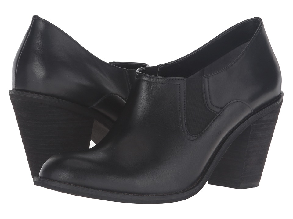 SoftWalk Fargo (Black Smooth Leather) High Heels