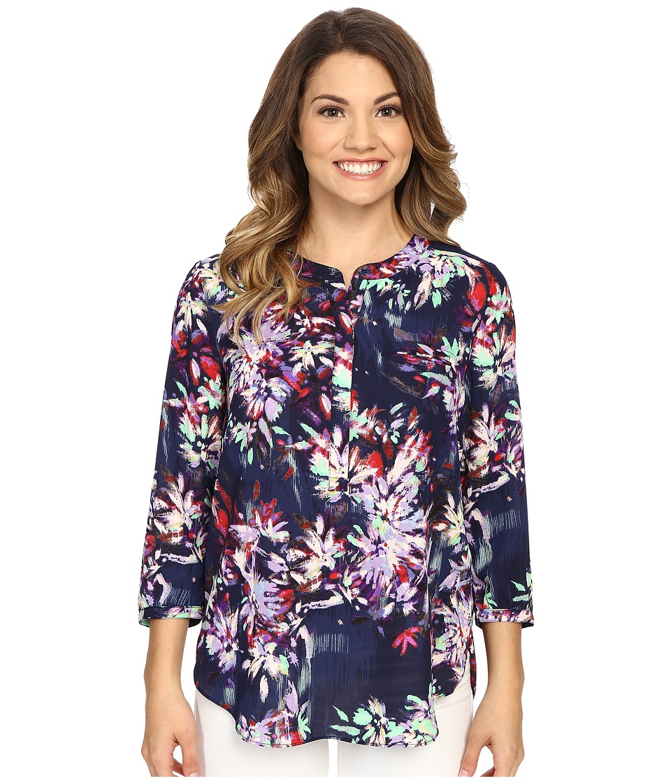 NYDJ Petite - Petite Solid 3/4 Sleeve Pleat Back (Fireworks Floral Peacoat) Women's Long Sleeve Pullover