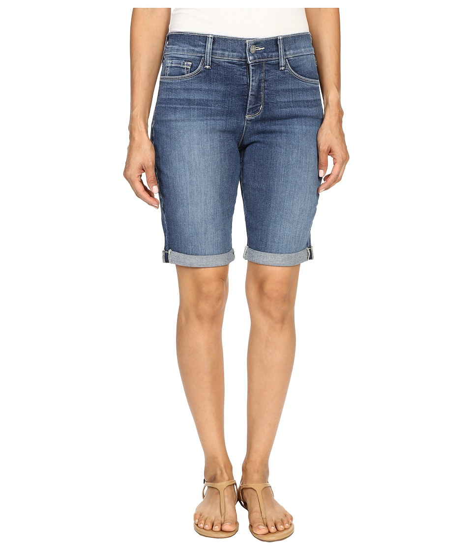 Find the latest styles of petite women's clothing at mainflyyou.tk Browse Dillard's huge selection of petite women's dresses, tops, pants and denim.
