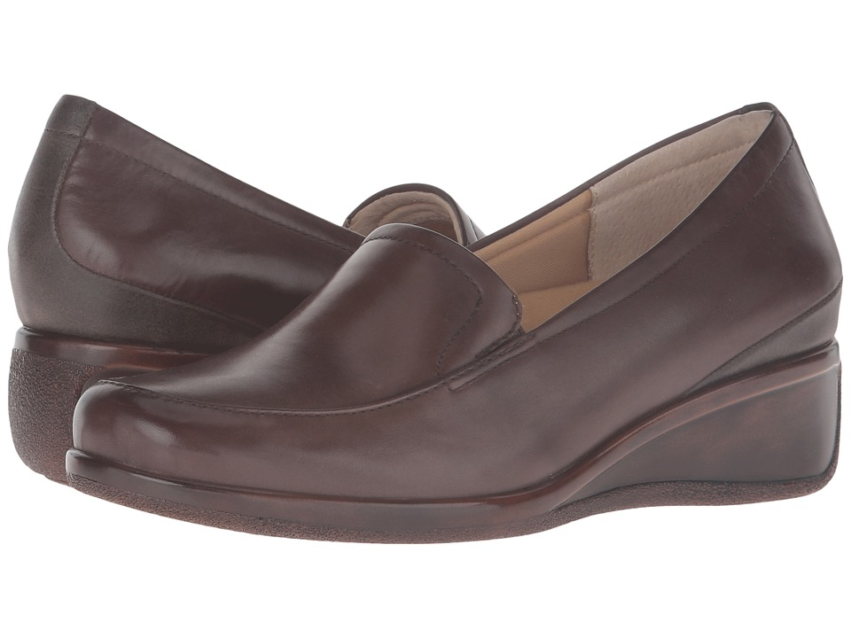 Trotters - Marche (Sage Tumbled Leather) Women's Slip on Shoes