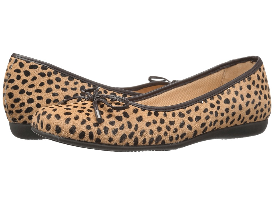 Trotters - Sante (Tan Cheetah) Women's Slip on Shoes