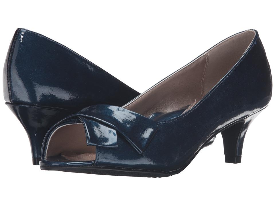 Soft Style Aubrey (True Navy Pearlized Patent) Women