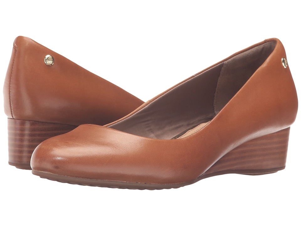 Hush Puppies - Dot Admire (Tan Leather) Women's Slip on Shoes