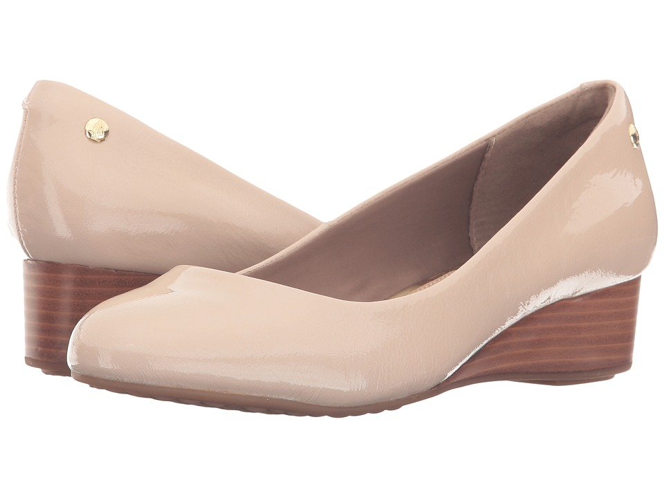 Hush Puppies - Dot Admire (Nude Patent Leather) Women's Slip on Shoes