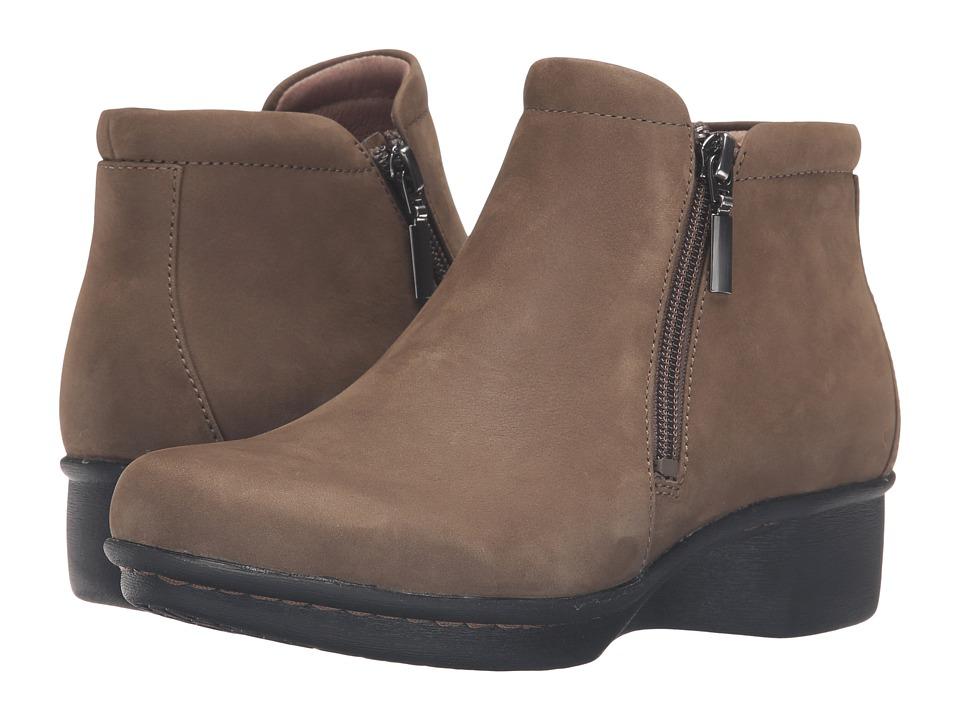 Dansko - Lee (Khaki Nubuck) Women's Shoes