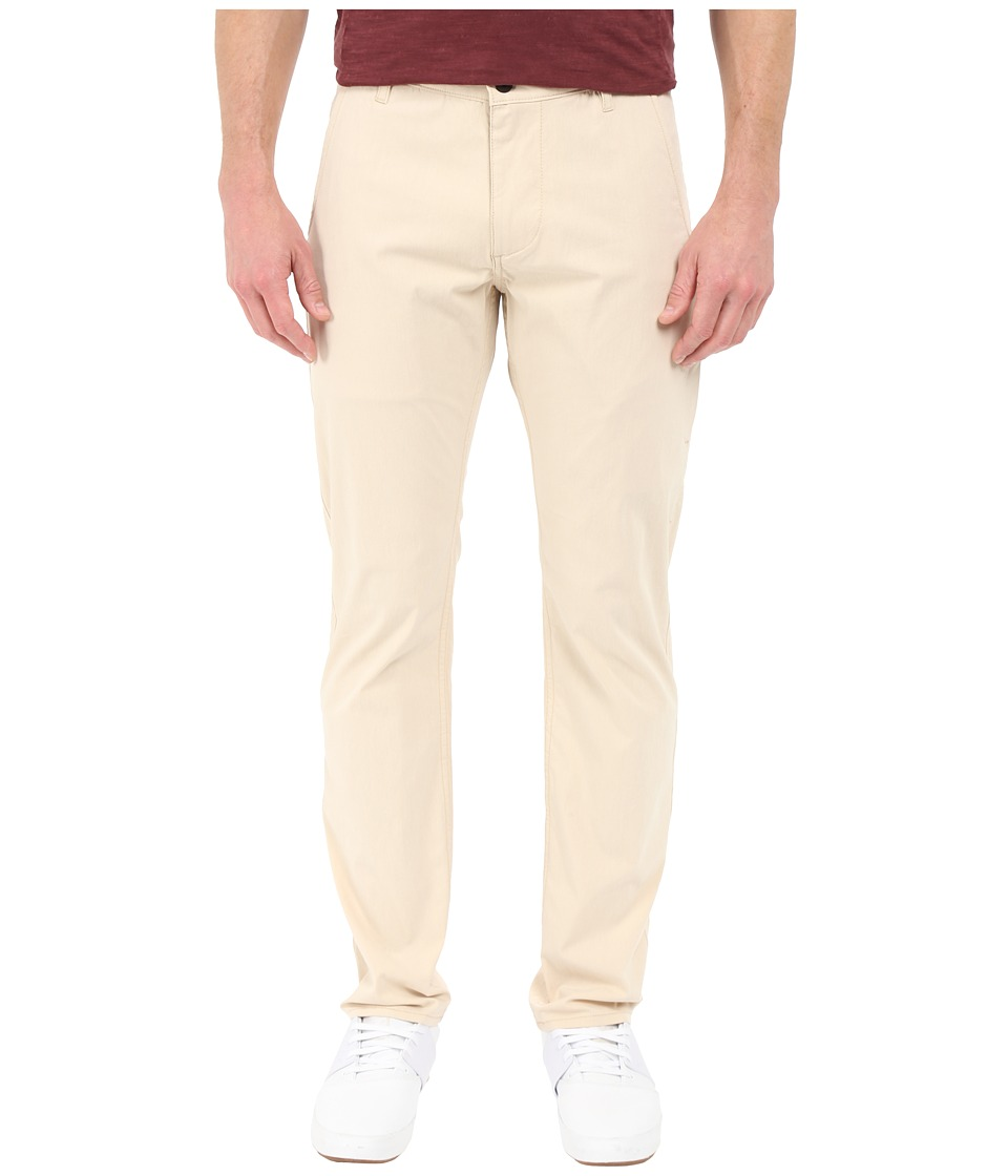 Dockers Men's - Alpha on the Go Khaki (Oyster Gray) Men's Casual Pants