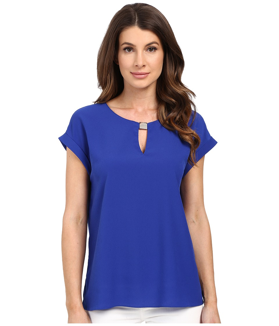 Ellen Tracy - Hardware Keyhole Shell (Azure) Women's Clothing