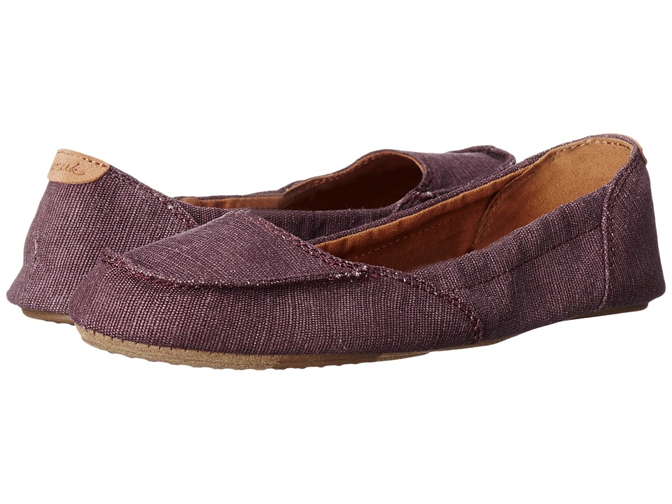 Sanuk - Elle V. Eight (Burgundy) Women's Slip on Shoes
