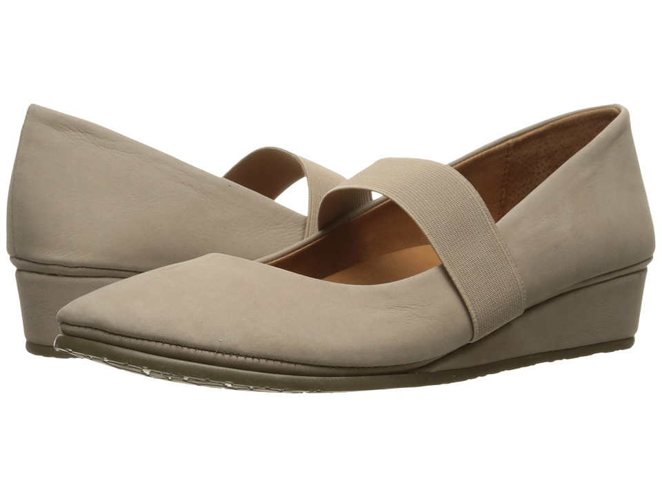 Gentle Souls - Aria (Mushroom Nubuck) Women's Flat Shoes