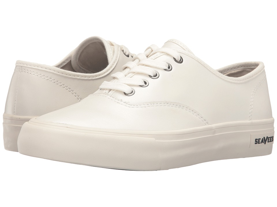 SeaVees - 06/64 Legend Wintertide (White) Women's Shoes